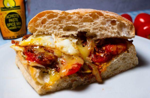 tomato and egg sandwich